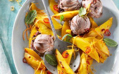 Geroosterde mango met chocoladeijs