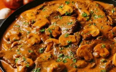 Biefstukpuntjes in Stroganoff saus